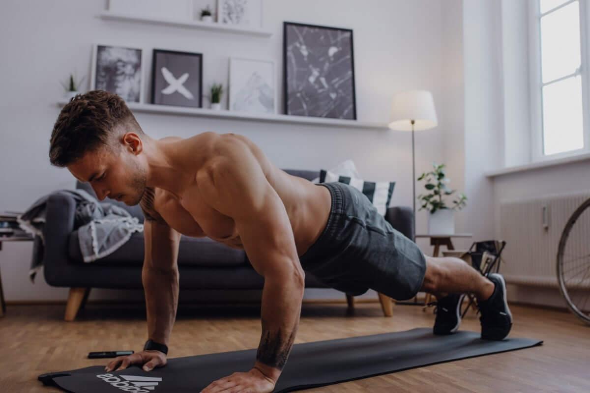 training mit dem k rpergewicht muskelaufbau ohne ger te fitfore. Black Bedroom Furniture Sets. Home Design Ideas